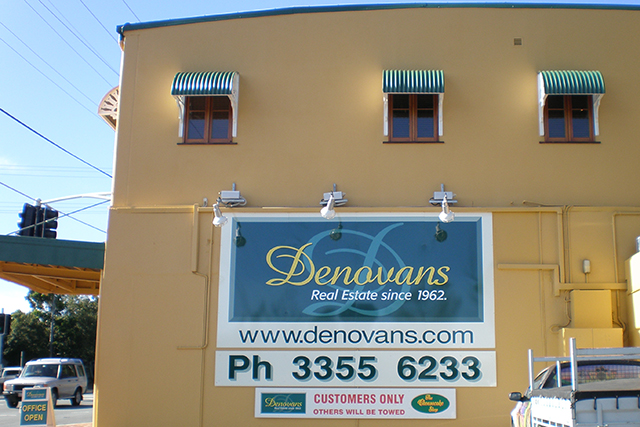 Wolf_Signs_Building_Signs_Denovans_Real_Estate