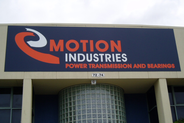 Wolf_Signs_Building_Signs_Motion_Industries
