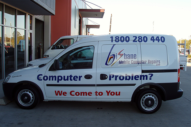 Wolf_Signs_Vehicle_Graphics_Brisbane_Mobile_Computer_Repairs