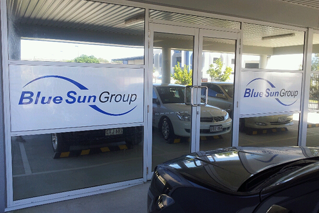 Wolf_Signs_Window_Graphics_Blue_Sun_Group
