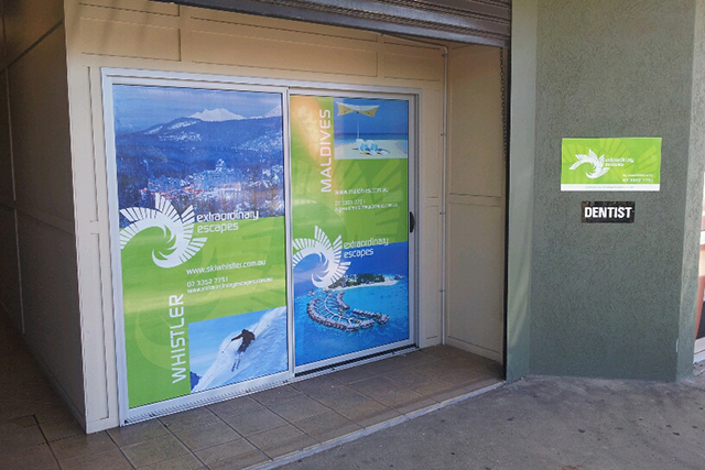 Wolf_Signs_Window_Graphics_Extraordinary_Escapes