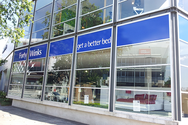 Wolf_Signs_Window_Graphics_Forty_Winks