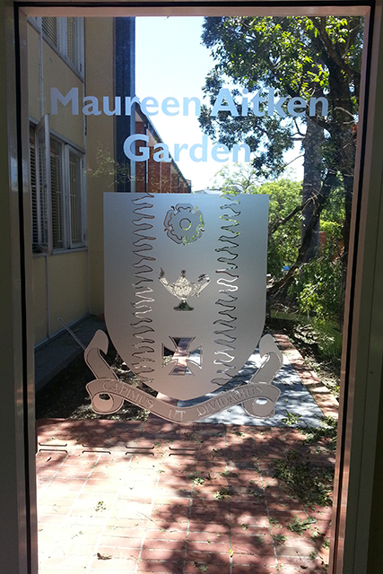 Wolf_Signs_Window_Graphics_Frosted_Etched_Vinyl