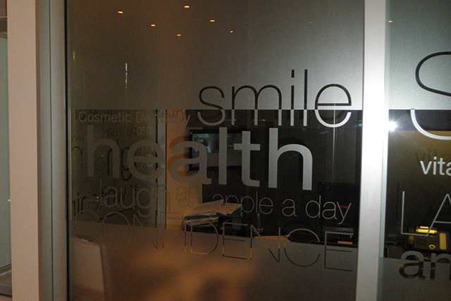 Wolf_Signs_Window_Graphics_Frosted_Smile_D