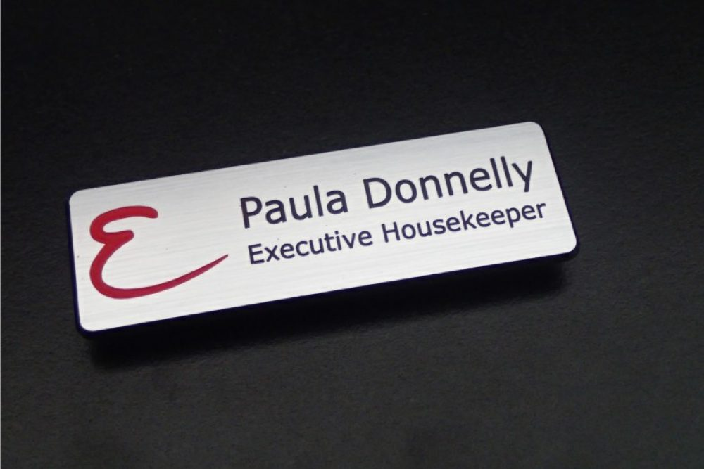 Wolf_Signs_Engraving_Plastic_Namebadge